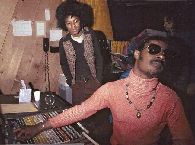 New Story: 2000 Watts Stevie-Michael
